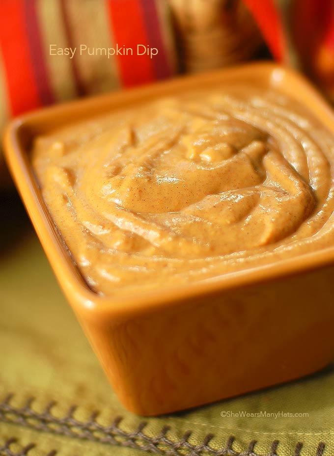 EASY! Pumpkin Dip Recipe | shewearsmanyhats.com