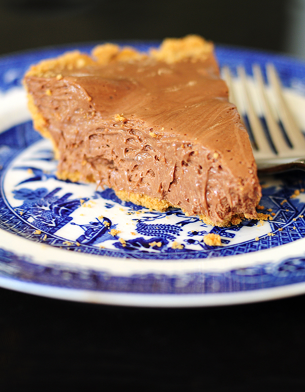 Easy Chocolate Candy Bar Pie