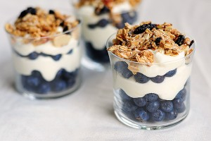 Lemon-Cream-Granola-Parfait-featuredb1