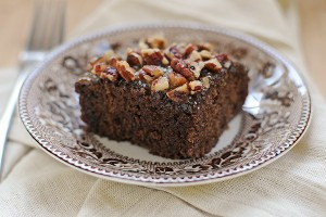 praline-cake-squares-featuredb