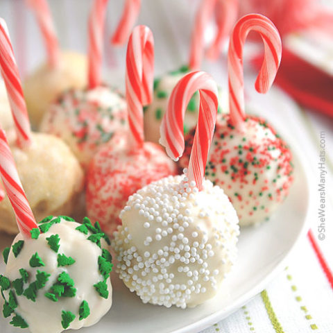 Peppermint Rice Krispies Treats Snowballs are such a fun treat to make for the holidays, and they're easy too! What kid wouldn't love to make a bunch?
