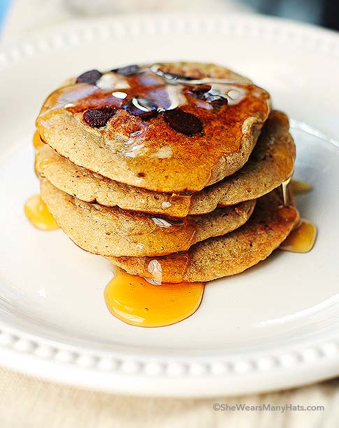 These Oatmeal Chocolate Chip Banana Pancakes are a tasty gluten-free ...