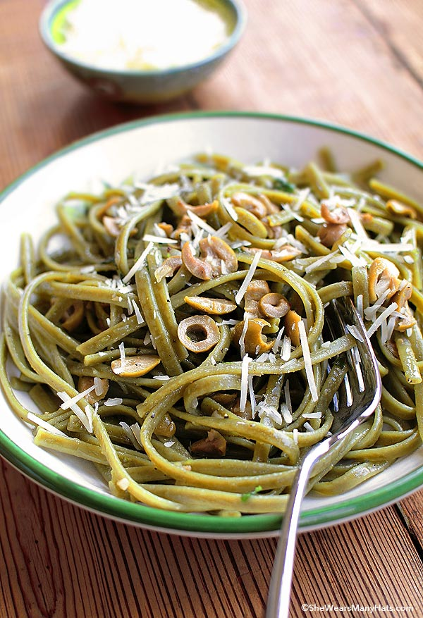 Spinach Pasta with Olives, Basil, Garlic and Lime Recipe