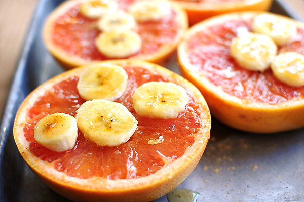 Simple Broiled Grapefruit with Bananas