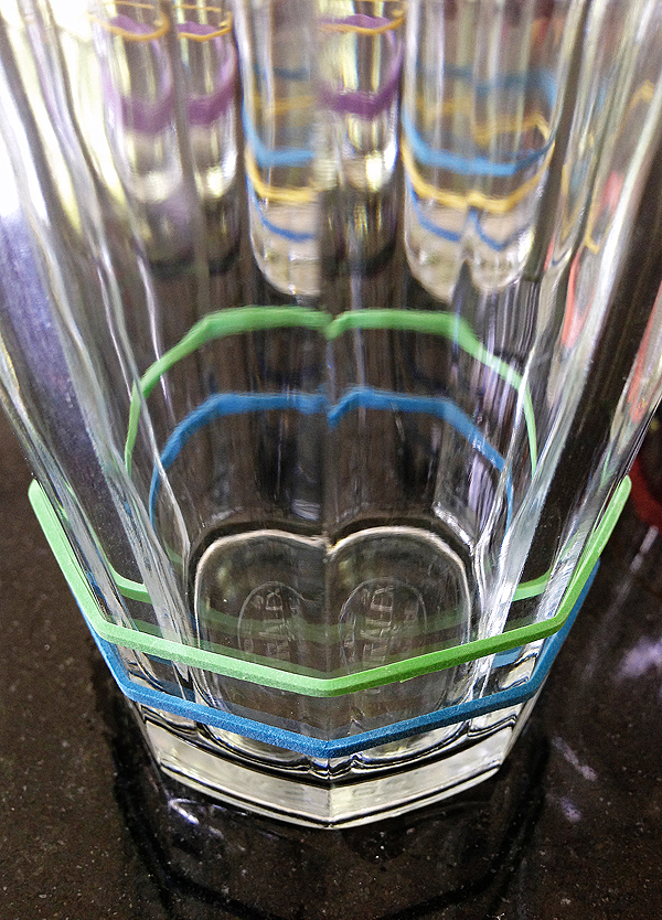 A simple solution to keep the drinking glasses straight.