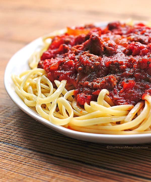 Spaghetti Sauce Recipe | shewearsmanyhats.com