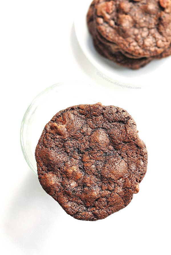 Perfect Double Dark Chocolate Cookies Recipe | shewearsmanyhats.com