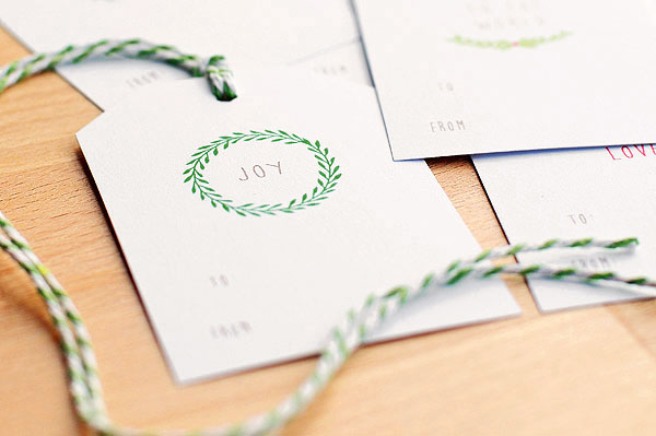 nice and simple free christmas gift tags she wears many hats