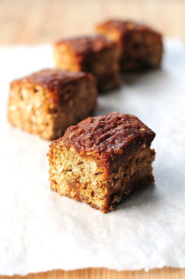 Oatmeal Walnut Caramel Coffee Cake Recipe