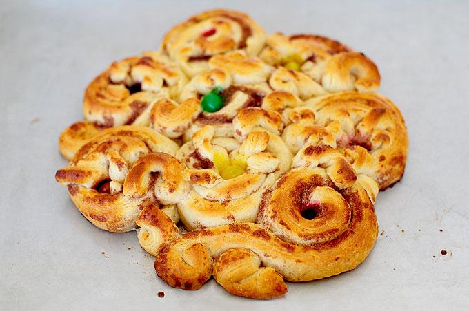 Easy Easter Pillsbury Cinnamon Rolls Recipe