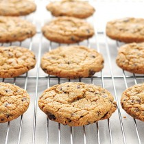 Perfect Chocolate Chip Cookies Recipe | shewearsmanyhats.com