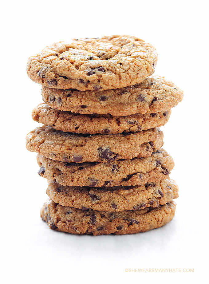 Best Chocolate Chip Cookies Recipe | shewearsmanyhats.com
