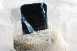 How To Dry a Wet Cell Phone