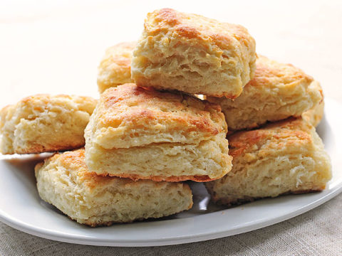 Fluffy Buttermilk Biscuits Recipe She Wears Many Hats
