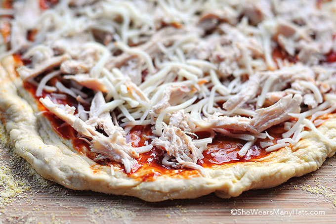 grilled pizza recipe shewearsmanyhats.com