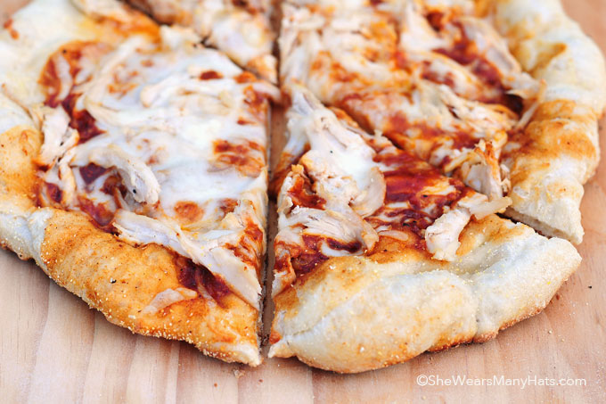 BBQ Chicken Grilled Pizza Recipe shewearsmanyhats.com