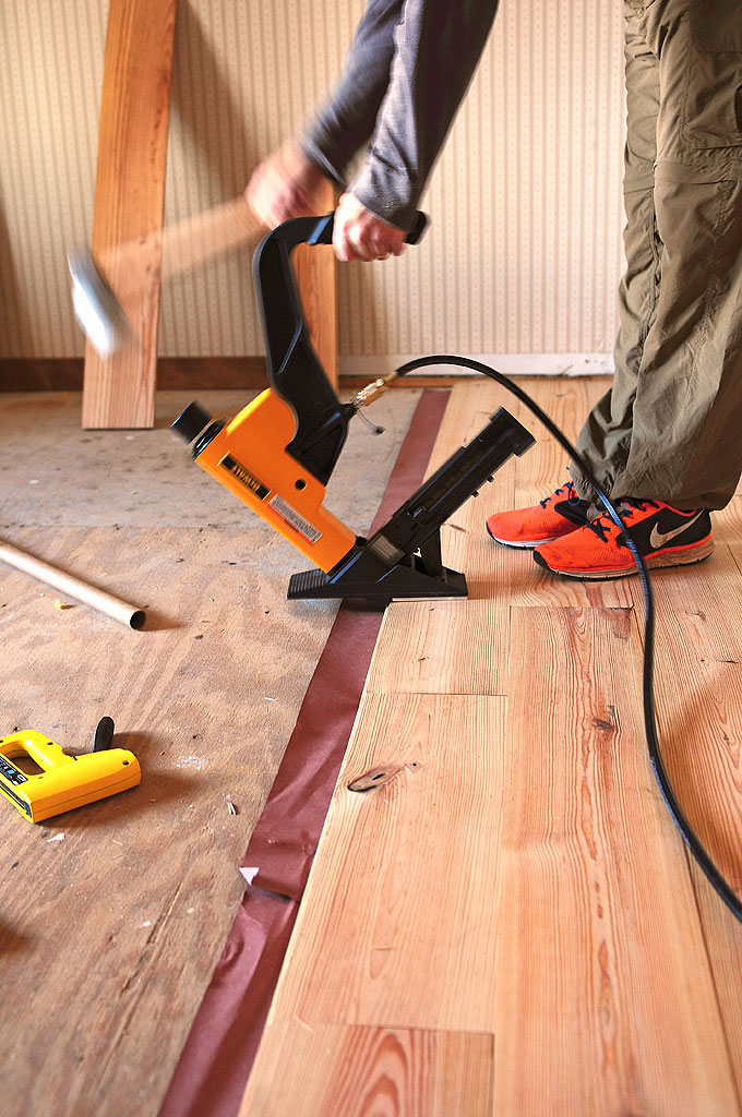 Tips for diy hardwood floors installation she wears many for Flooring installation