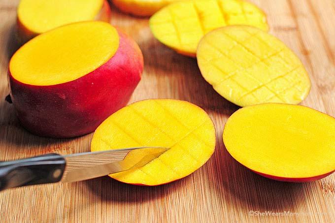 cut a mango