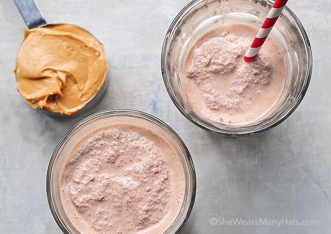 How to make a chocolate peanut butter milkshake