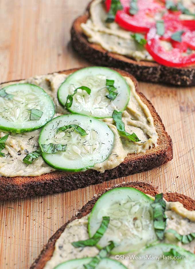 cucumber hummus snack