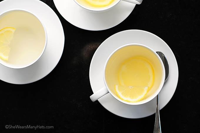 Lemon Ginger Tea | shewearsmanyhats.com