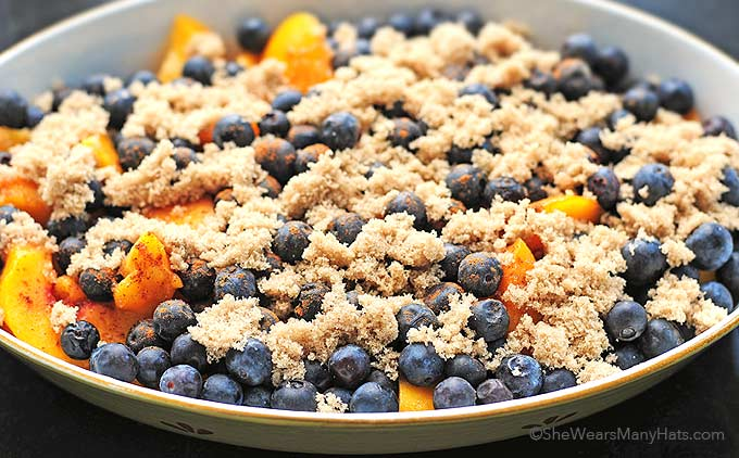 baked fruit with brown sugar and cinnamon