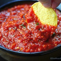Spicy Roasted Tomato Chipotle Salsa Recipe | shewearsmanyhats.com