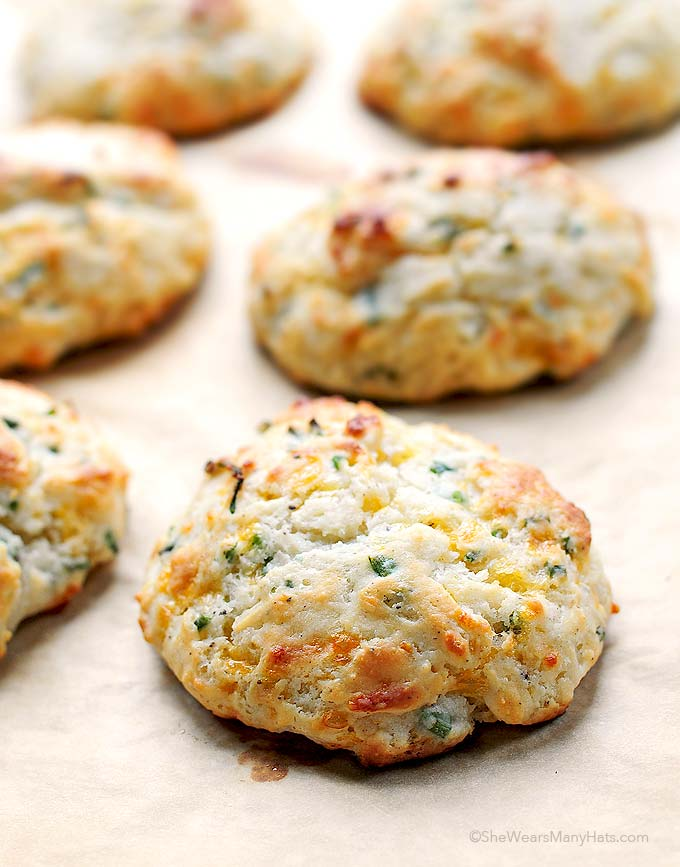 chive biscuits tender flaky sour cream sour cream and chive biscuits ...