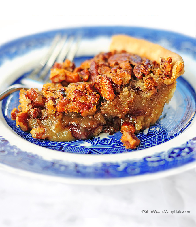 Chocolate Bourbon Pecan Pie Recipe | shewearsmanyhats.com