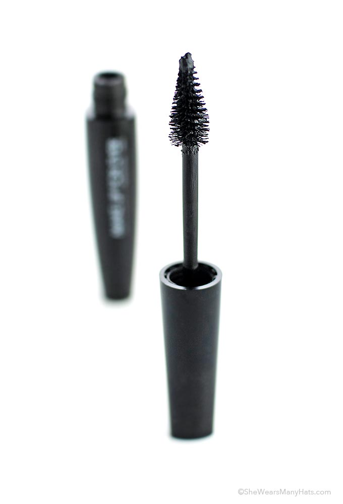 Sharing a new favorite mascara that creates thick long-lasting lashes.