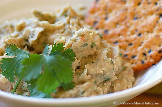 This easy White Bean Spread with Roasted Garlic is healthy and full of fantastic flavor!