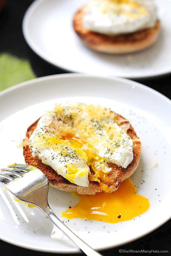 Poached Eggs with Gouda on an English Muffin