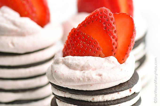 Mini Chocolate Strawberry No Bake Desserts
