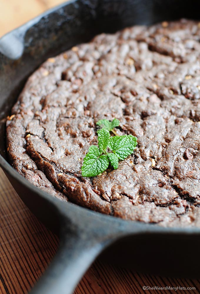 Chocolate Mint Skillet Cookie Recipe