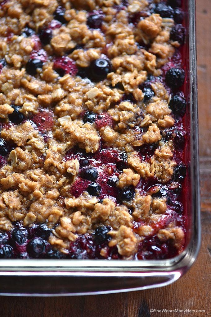 Berry Crumble Recipe shewearsmanyhats.com