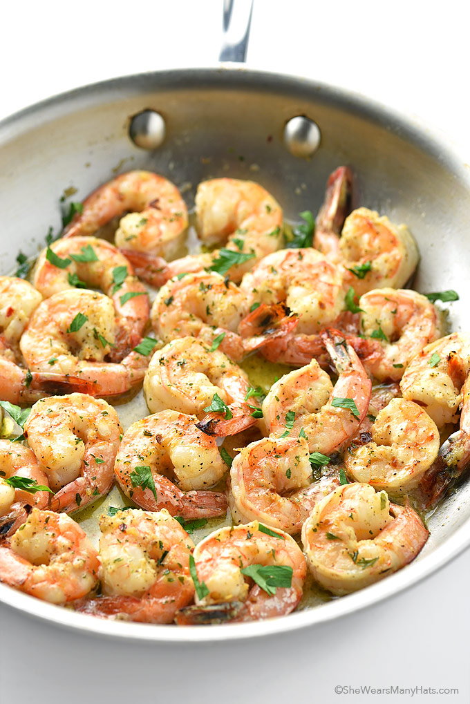 Easy garlic shrimp recipe she wears many hats What to make with shrimp for dinner