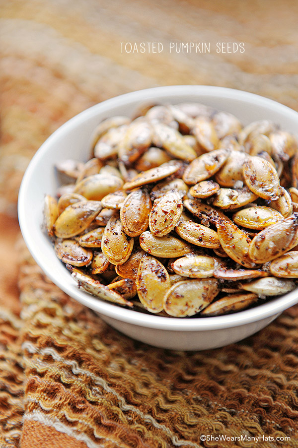 Spicy Toasted Pumpkin Seeds | shewearsmanyhats.com