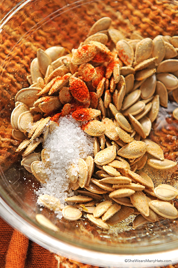 These Spicy Toasted Pumpkin Seeds are a great snack option for movie ...