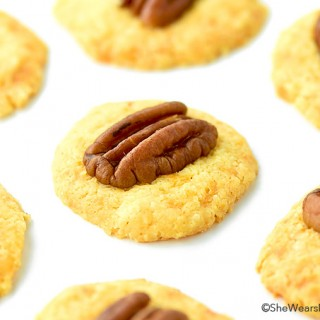 Homemade Cheese Crackers with Pecans Recipe These wafer-like crackers are so easy to make right and home and are perfect for entertaining, especially during the holidays. | shewearsmanyhats.com #cheese #crackers #recipe