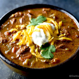 Easy Chili Con Carne Recipe | shewearsmanyhats.com