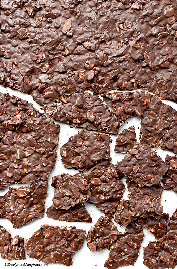 Dark Chocolate Toasted Almond Bark Recipe | shewearsmanyhats.com