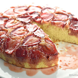 Strawberry Upside Down Cake Recipe | shewearsmanyhats.com