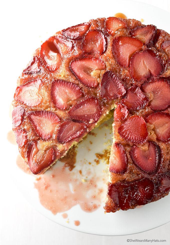 Strawberry Upside Down Cake Recipe | shewearsmanyhats.com