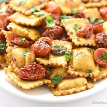Easy Spicy Garlic Tomato Cheese Ravioli Recipe