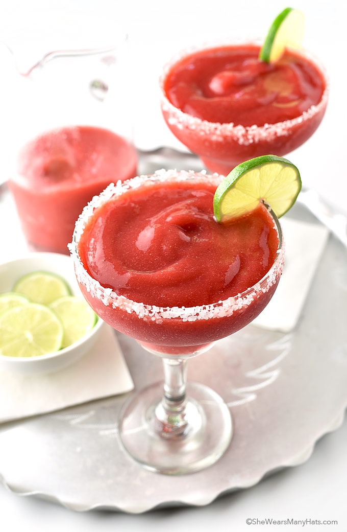 Easy Frozen Strawberry Margarita Recipe | shewearsmanyhats.com