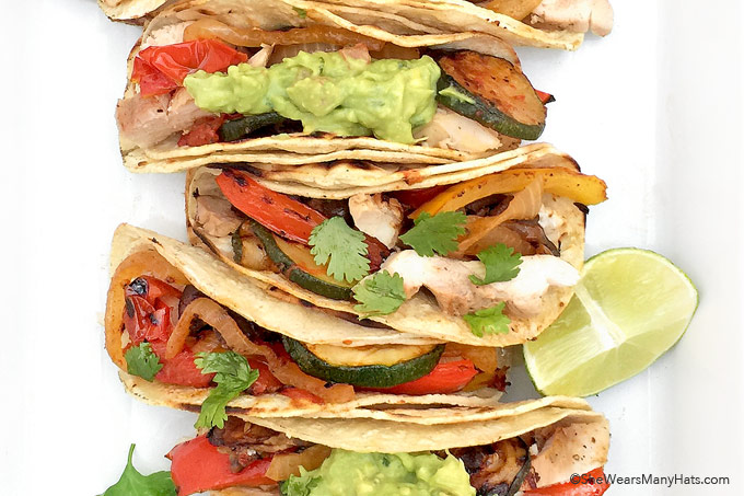 Easy Grilled Chicken Fajitas Recipe with Vegetables | shewearsmanyhats.com