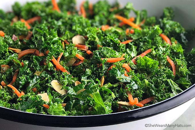 Garlicky Orange Kale Salad Recipe | shewearsmanyhats.com