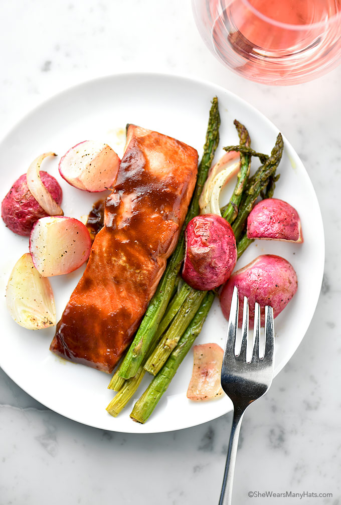 Easy Spicy Baked Salmon with Roasted Vegetables Recipe | shewearsmanyhats.com