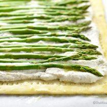 Easy Ricotta Asparagus Tart Recipe | shewearsmanyhats.com