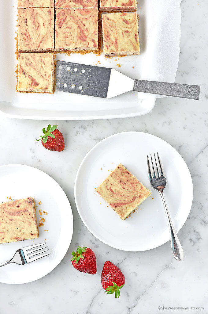 Slow-Roasted Balsamic Strawberry Cheesecake Bars Recipe | shewearsmanyhats.com